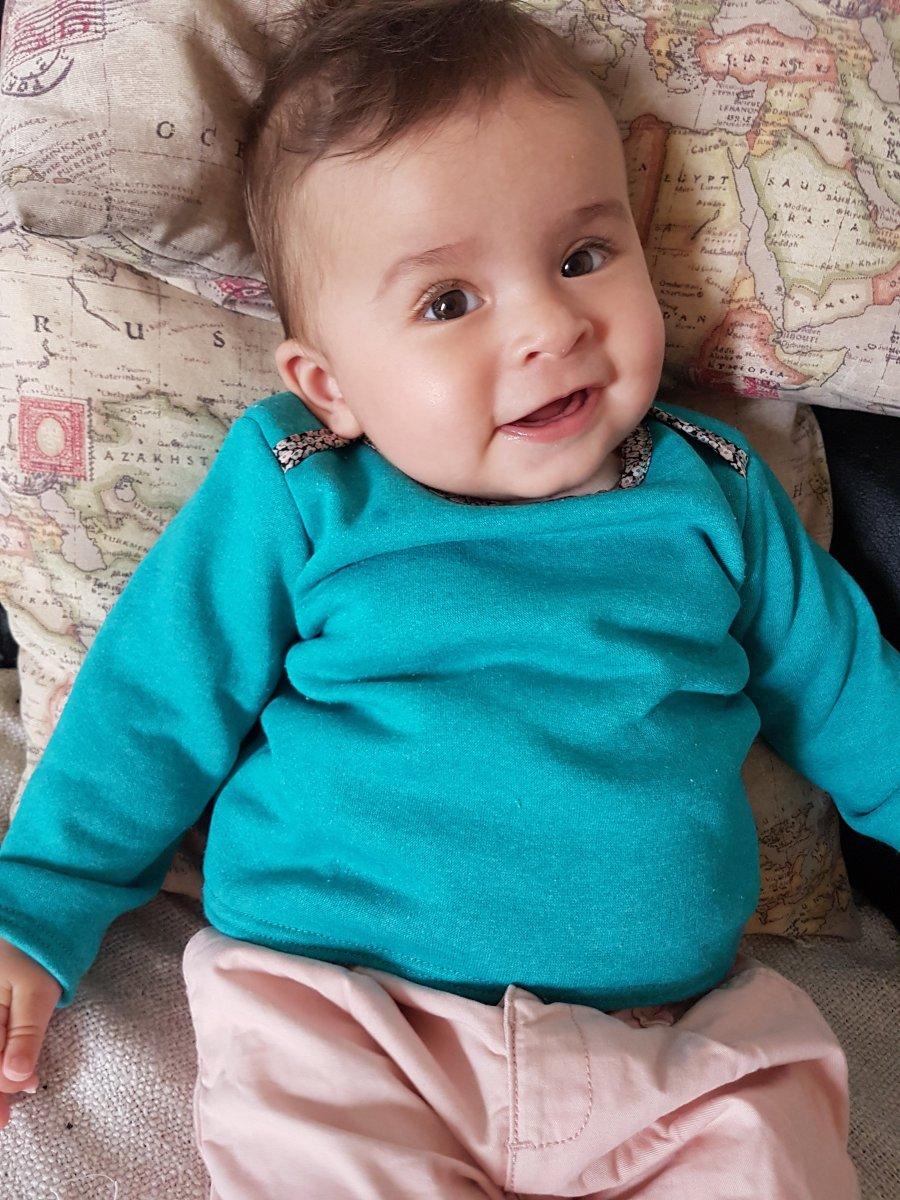 Sweat n°07 - Garde-robe idéale de bébé | Blog tricot - Knit yourself